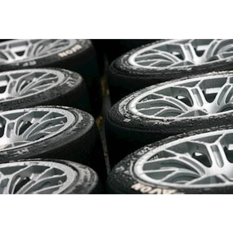 Avon Xply regn dæk. Str. 9.5/21.5-15. Spec.