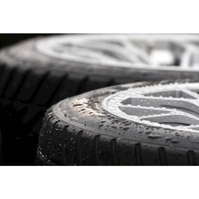 Avon Radial regn dæk. Str. 210/620R17. Spec.